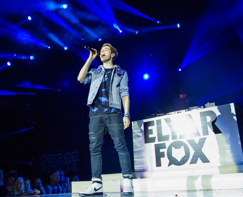 Elyar Fox live Jingle Bell Ball 2013