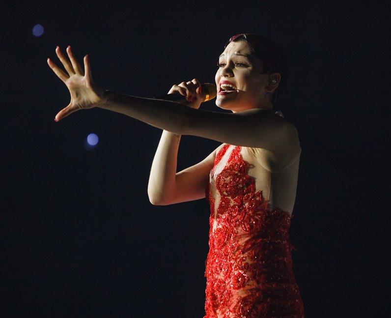 Jessie J live Jingle Bell Ball 2013