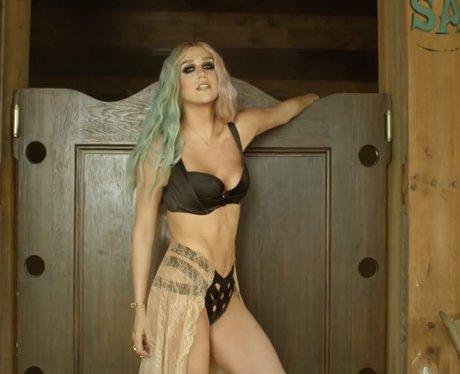 Pitbull's 'Timber' video