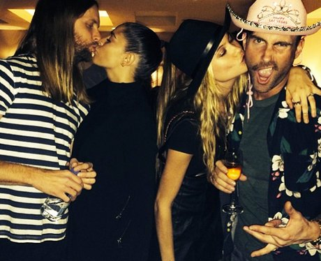 Adam Levine and Behati Prinsloo new years kiss