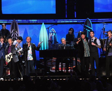 Maroon 5/Foster The People duet with Beach Boys