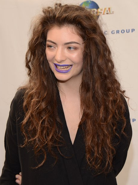 Lorde gets ready for the action at the universal Music ...