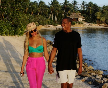 Beyonce and Jay Z Holding Hands