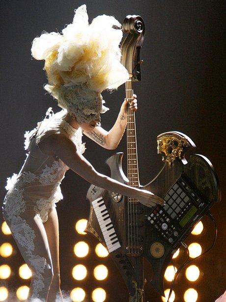 Lady Gaga plays the BRITs 2010