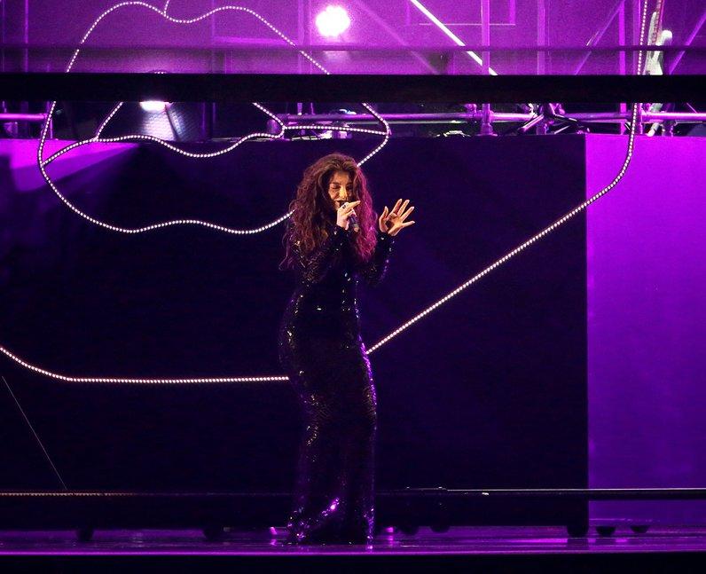 Lorde at the Brit Awards 2014