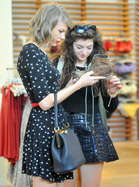 Taylor Swift and Lorde shopping