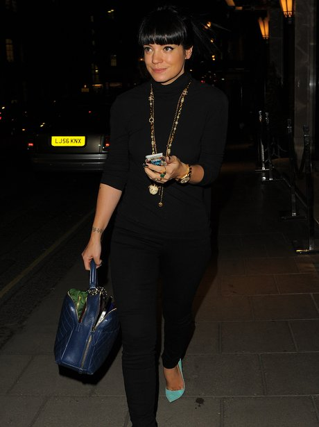 Lily Allen wearing black outfit