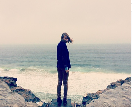 Taylor Swift by the sea