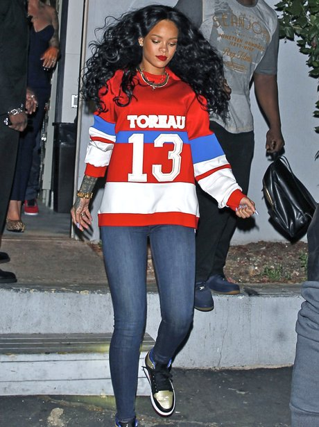Pleasing Rihanna Leaves A Nightclub Sporting A Larger Than Life Curly Schematic Wiring Diagrams Amerangerunnerswayorg