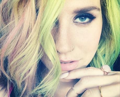 Kesha with rainbow hair