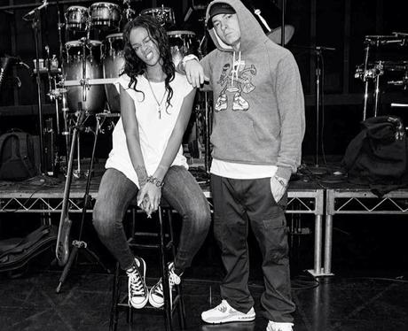 Rihanna and Eminem Backstage MTV Movie Awards 201