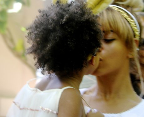 Beyonce Blue Ivy Kiss Tumblr