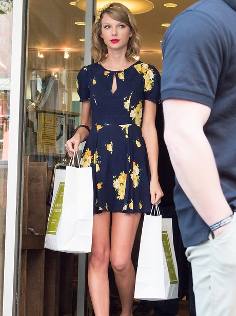 Taylor Swift shopping