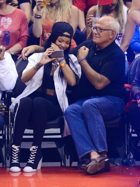 Rihanna basket ball selfie