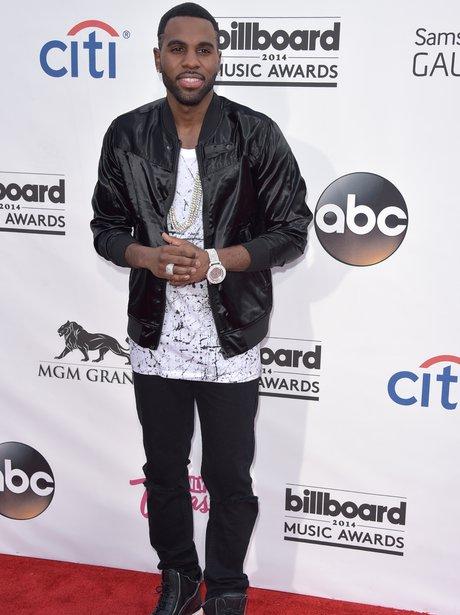 Jason Derulo arrives at the Billboard Music Awards