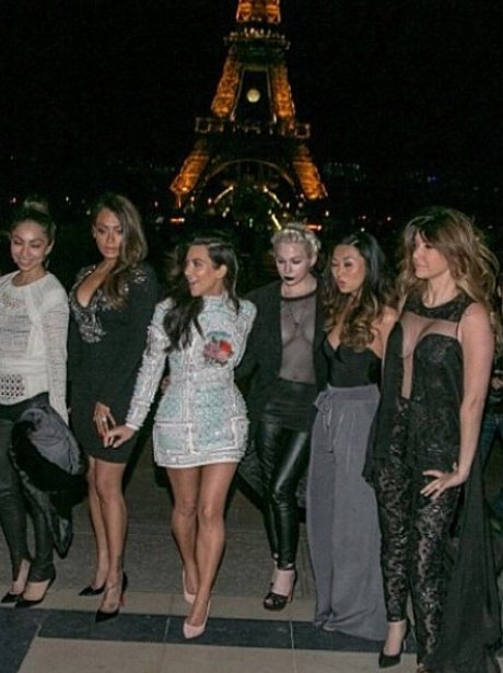 kim kardashian and friends in paris
