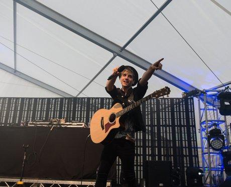 Elyar Fox Live At Birmingham Pride