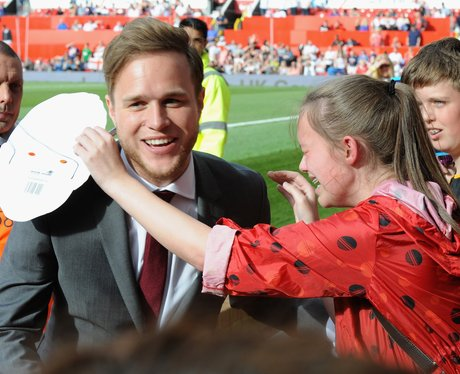 Olly Murs with a crying fan