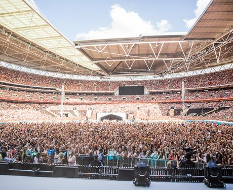 Crowd at the Summertime Ball 2014
