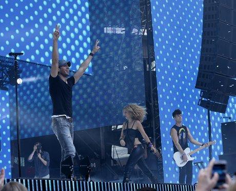 Enrique Summertime Ball 2014 Performance