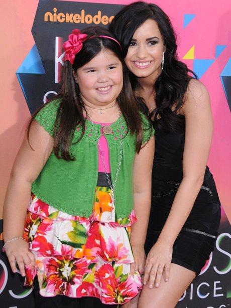 Madison De La Garza and sister Demi Lovato