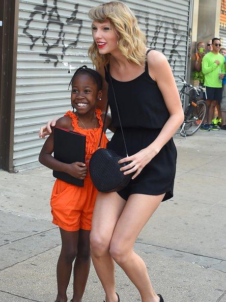 Taylor swift meets little girl