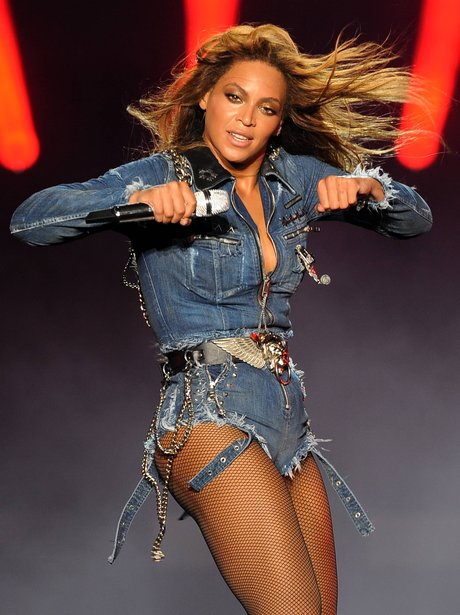 Beyonce hot stage dance - 2 10