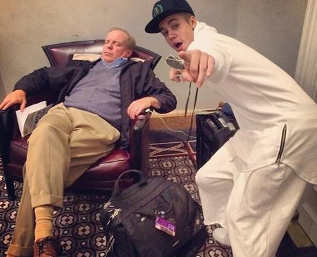Justin Bieber Photobomb Instagram