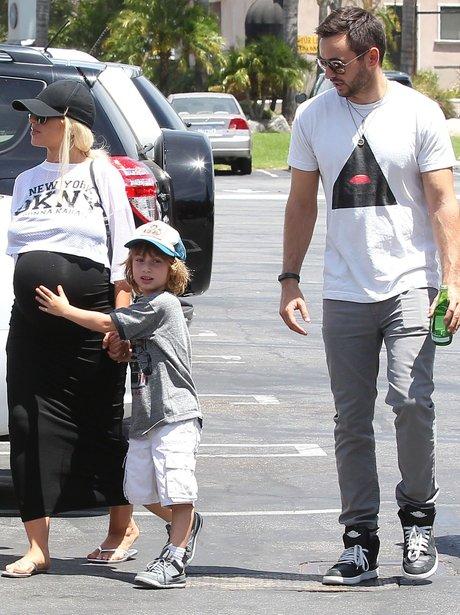 Christina Aguilera shows of baby bump