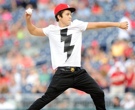 Austin Mahone plays baseball