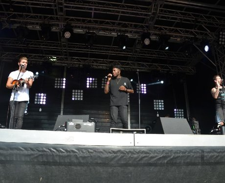 Loveable Rogues at Ponty's Big Weekend!