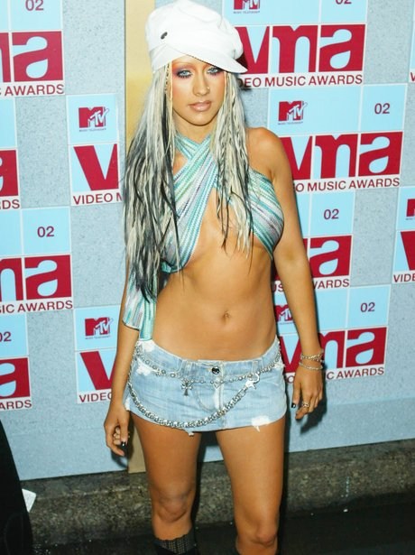 Christina Aguilera Didnt Let Forgetting Her Top Stop VMAs Entrance