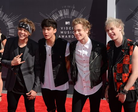 5 Seconds Of Summer MTV VMA 2014 Red Carpet