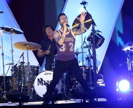 Maroon 5 at the VMAs 2014