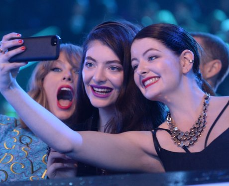 Taylor Swift and Lorde at the VMAs 2014