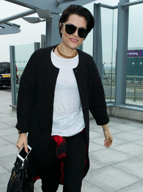 Jessie J Short Hair Airport