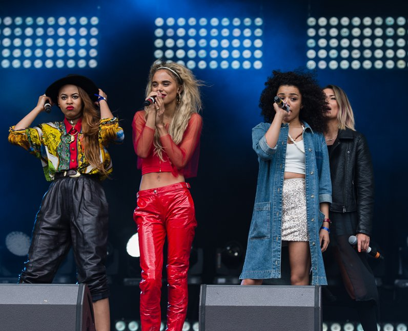 Neon Jungle on Stage at Fusion Festival