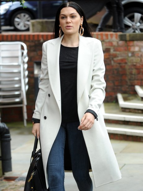 Fashion Inspiration  14 Stars Rocking The HOTTEST Winter Coats - Capital e09fed46d