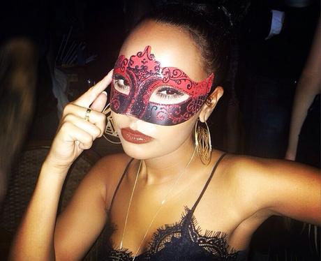 Leigh Anne Pinnock wearing a mask