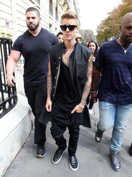 Justin Bieber shopping in Paris