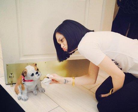 Jessie J with a plastic dog selfie