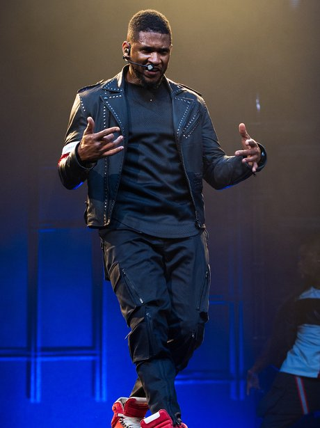 Usher performs on his tour
