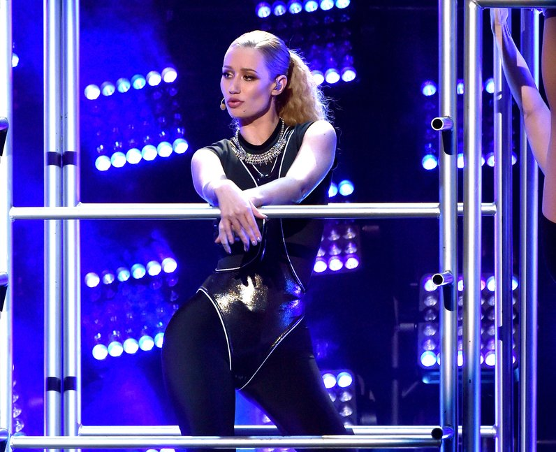 Iggy Azalea on stage American Music Awards 2014