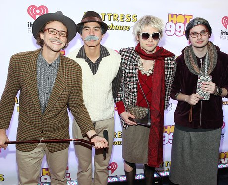 5 Seconds Of Summer Disguise