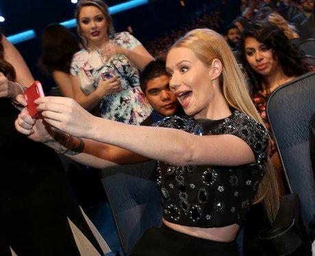 Iggy Azalea Selfie Fan