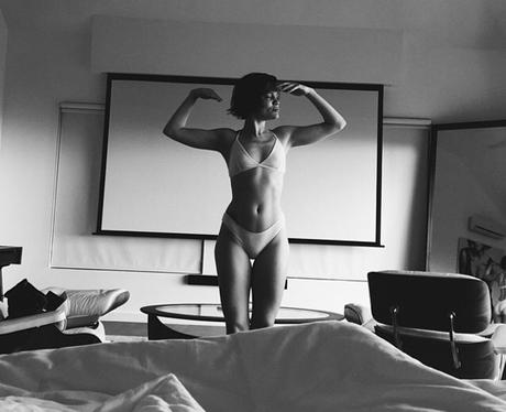 Jessie J wearing her underwear