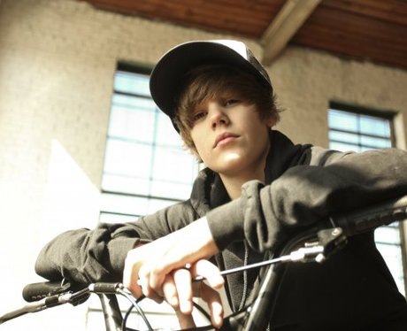 Justin Bieber First Facebook Picture