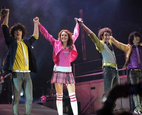 Jonas Brothers and Miley Cyrus  Hannah Montana