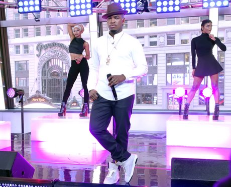 Ne-Yo Performs on 'Good Morning America'