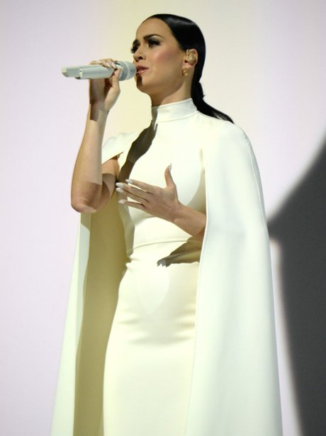 Katy Perry Performs at the Grammy Awards 2015